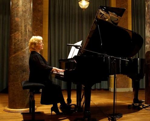 Svetlana Kushnerova im Marmorsaal Bad Ems